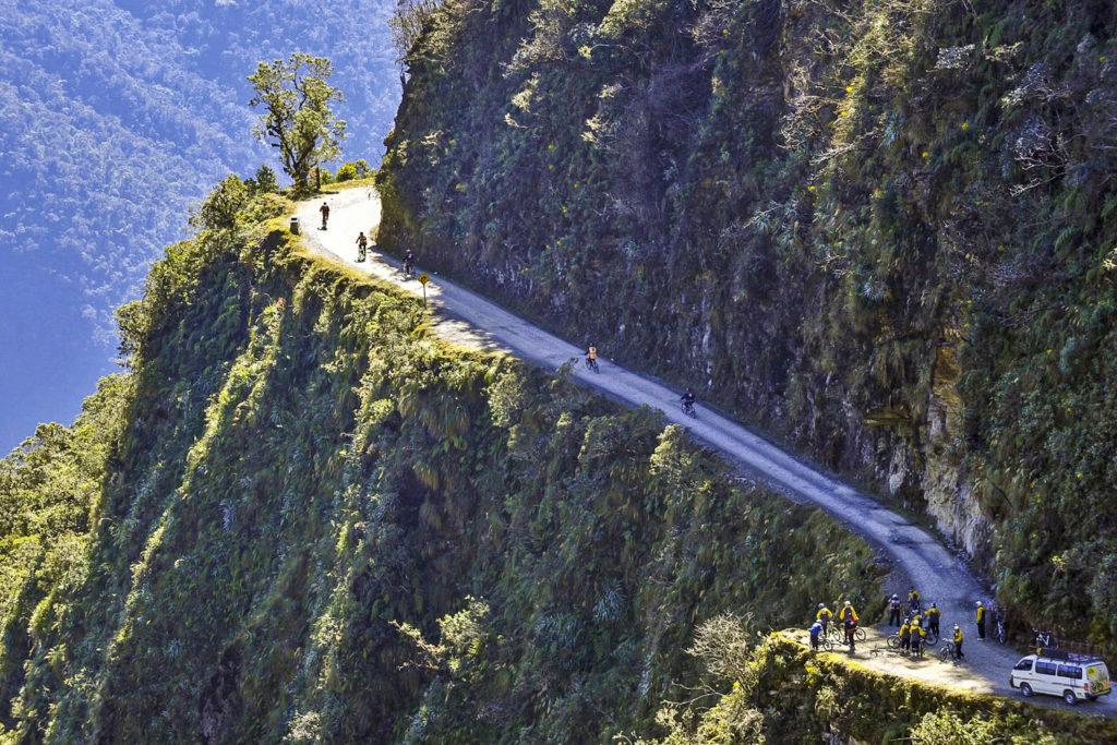La route des Yungas (aussi appelée la route de la Mort)